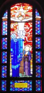 Vitrail de la chapelle dédiée au Christ Prêtre - Maison mère de la congrégation des Auxiliaires du Sacerdoce - Paray le Monial