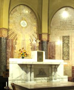 Chœur de la chapelle des Auxiliaires du Sacerdoce à Paray le Monial, dédiée au Christ Prêtre