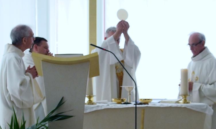 Messe du jubilé de la congrégation à la chapelle de la maison Ozanam (Paris)